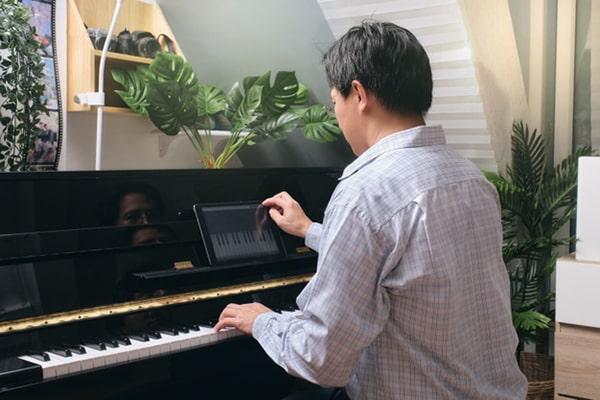 Học piano mất bao lâu?