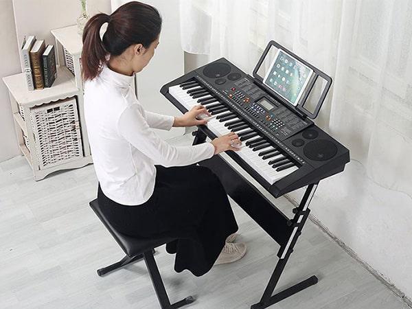 Khóa học piano cơ bản cho người lớn