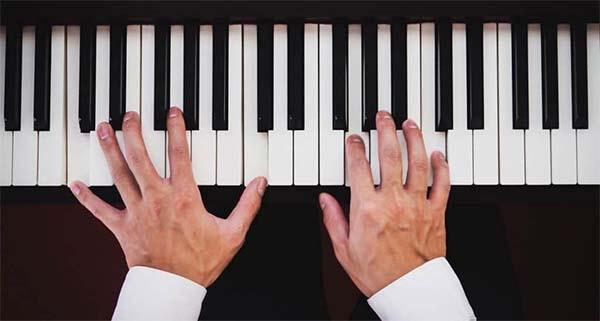 Học 4 hợp âm piano cơ bản