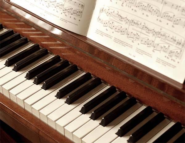 Lý do khiến việc học piano kém hiệu quả